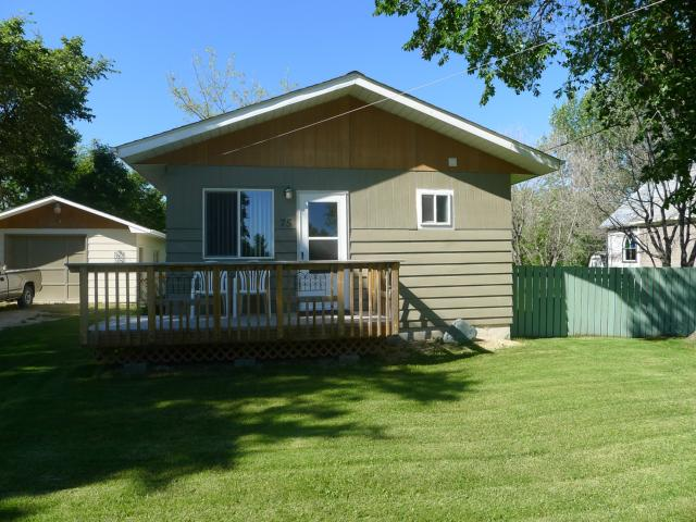 2 Bedroom House  in 75 Reggie Leach Drive  Riverton, MB   R0C 2R0