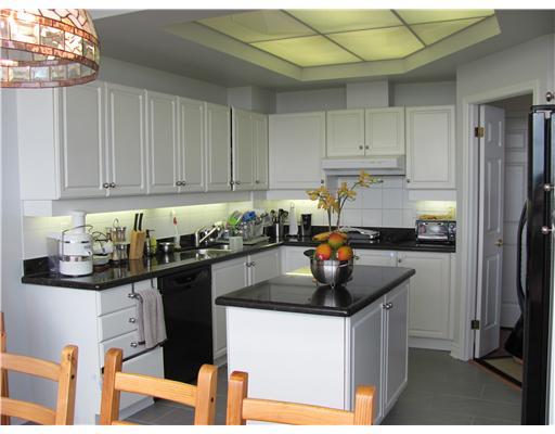 3 Bedroom Apartment  in 1480 Riverside Dr, Suite 1201 OTTAWA, ON  K1G 5H2