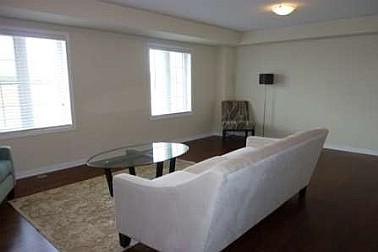 3 Bedroom House  in 3145 WALKERS LINE Burlington, ON  L7M 0E1
