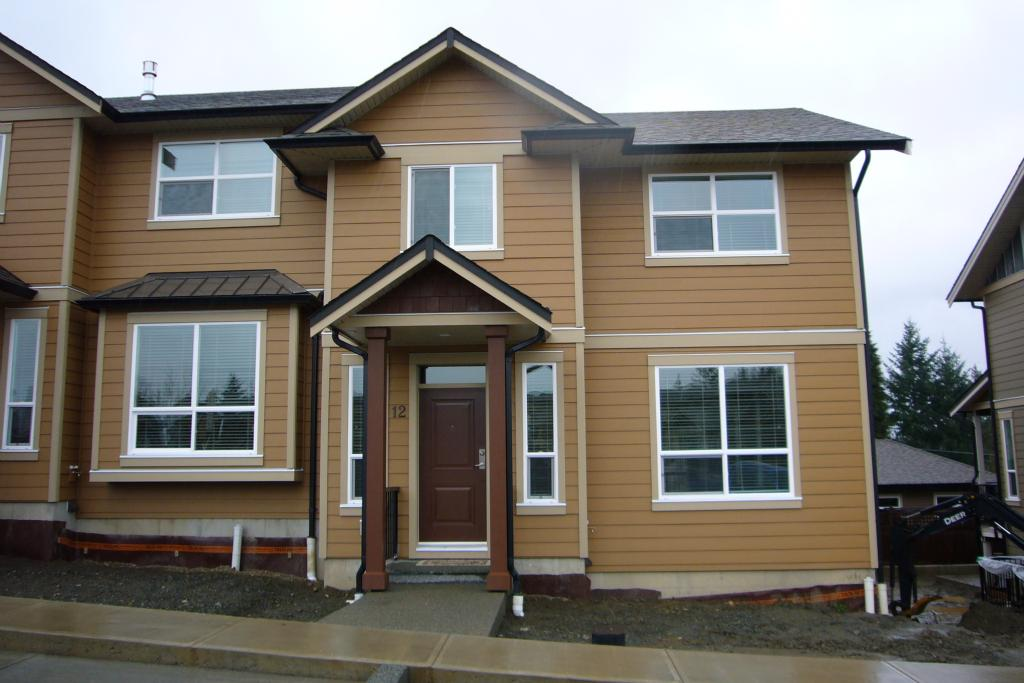 3 Bedroom Row / Townhouse  in 3101 CLIFFS ROAD DUNCAN, BC