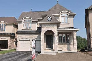 4 Bedroom House  in 78 RUMSEY RD Vaughan, ON   L6A 4L8