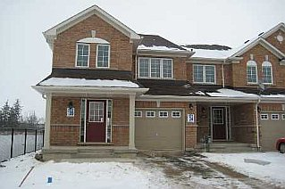4 Bedroom Row / Townhouse  in 724 SAUVE ST Milton, ON   L9T 7E3